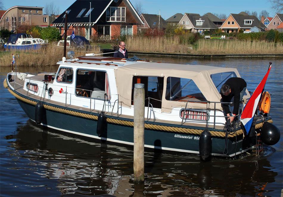hausboot 4 personen mieten f r anf nger in holland. Black Bedroom Furniture Sets. Home Design Ideas